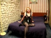 Agnès, une femme respectable de Montpellier, s'offre un black dans une chambre d'hôtel ! (vidéo exclusive)
