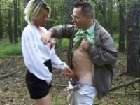Maman pisse dans la bouche de son agresseur et le gynéco boit l'urine de sa patiente !*