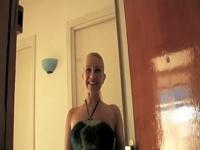 Chez Mélanie, à Paris, fan de visio-chat J&M !