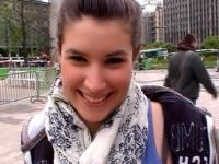 Lola, 18 ans, serveuse à Lille, se mets à nue pour la 1ère fois ! (vidéo exclusive)
