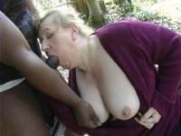 Anne-Marie fait la putain au bois de Boulogne*