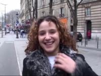 Une jeune beurette découvre l'hospitalité parisienne!