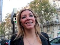 Keyra est venue de Monaco pour visiter Paris et dénicher son 1er black! (vidéo exclusive)