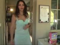 Nathalie Vanadis de Picardie nous montre ses beaux nichons laiteux! (vidéo exclusive)