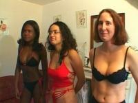3 belles nanas goulues passées au crible*