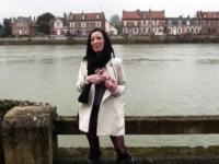 Tania, 25 ans, d'Angers : 1ère fois et sodomie douloureuse ! (vidéo exclusive)