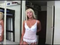 Une petite blonde greluche castée à l'hôtel ! (vidéo exclusive)