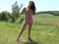 Mélissa, une chtite salope lilloise qui nous fait découvrir sa campagne … et son cul ! (vidéo exclusive)