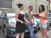 Vendeuse chez un mandataire automobile de Brie-Comte-Robert, elle ne nous fait pas essayer que les voitures …. (vidéo exclusive)
