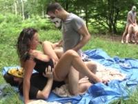 Dans la forêt de Bertranges on baise la Belle et la Bête ! (vidéo exclusive)