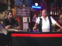 Britney, blondinette serveuse au Globine's Rock Café de Saint-Eloi (58) ! (vidéo exclusive)