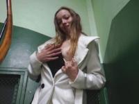 Charlotte, élève en 1ère S dans un lycée privé parisien pour filles de bonnes familles ! (video exclusive)