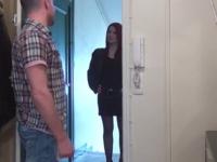 Julie, rousse cougar venue de Basse-Normandie pour tester le loft des affreux ! (vidéo exclusive)