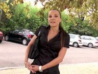 Lolita, 29 ans, aide-soignante à Avignon, n'a pas froid aux yeux ! (vidéo exclusive)