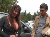 Grand-mère salope de 61 ans fait une vidéo pour son petit-fils complice de 19 ans ! (vidéo exclusive)