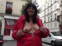 Nathalie, 51 ans, une belle-maman qui prend l'éducation de son beau-fils à coeur ! (vidéo exclusive)