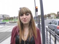 Célina, lyonnaise de 22 ans, bien défoncer par tous les trous devant son mec ! (vidéo exclusive)