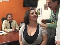 Romina, pulpeuse italienne baisée devant son mari ! (vidéo exclusive)