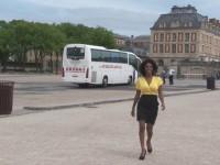Nina, guide pour un tour-opérateur spécialisé sur le château de Versailles ! (vidéo exclusive)