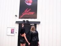 Swan emmène Vanessa partouzer au Glam Club à Orléans ! (vidéo exclusive)