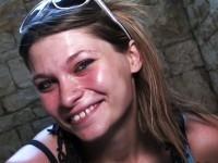 Diane, 22 ans, serveuse dans un fast-food, rêve de faire des études d'esthéticienne ! (vidéo exclusive)