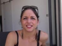 Rachel, 23 ans, petite pute à papa qui bosse dans l'immobilier de prestige à Cannes ! (vidéo exclusive)