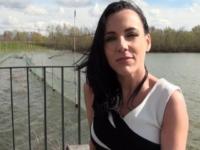 Jeune fille enculée aux bors de l'étang à Jouars-Pontchartrain ! (vidéo exclusive)