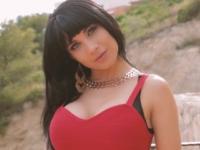 Valentina, une jeune pétasse atomique ! (vidéo exclusive)