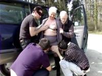 Murielle offerte par son mari à des lascards au bois de Boulogne (vidéo exclusive)