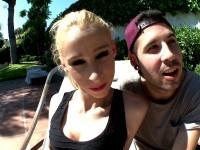 Kevin, fan espagnol, baise Monica pour notre plus grand plaisir  (vidéo exclusive)