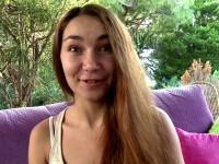 Stacy, une russe en visite en france, en profite pour qu'on la défonce  (vidéo exclusive)