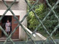 Martine, cinquantenaire divorcée, nous invite chez elle à Nantes ! (vidéo exclusive)
