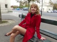 Bonne maman emmenée faire la pute dans un club parisien ! (vidéo exclusive)