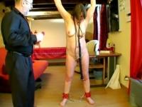 Estelle, femme au foyer offerte et soumise (vidéo exclusive)