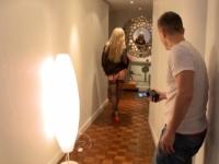 Subil, russe de 24 ans modèle ne lingerie, vient à Paris participer à un dféilé ! (vidéo exclusive)