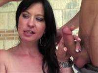 Emy, infirmière lyonnaise, aime qu'on la prenne brutalement ! (vidéo exclusive)