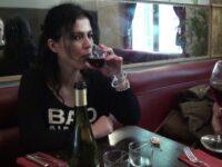 Une journée à Paris avec une bonne maman espagnole au gros cul ! (vidéo exclusive)