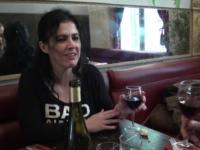 Montsé, mama espagnole aux formes généreuses, en WE à Paris ! (vidéo exclusive)