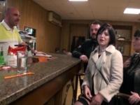 Perle de retour pour un gang-bang dans un bar à Marseille !  (vidéo exclusive)