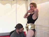 Sophie aime qu'on la prenne viollement et qu'on lui remplisse la bouche ! (vidéo exclusive)