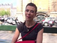 On offre à Carla son premier black bien monté !  (vidéo exclusive)