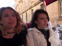 Apres la visite de Paris, Carla et Sophie, se font déboiter par un fan !  (vidéo exclusive)