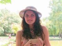 Francesca, 23ans, une italienne en visite sur paris.  (vidéo exclusive)