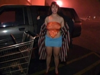 Pêcho au supermarché, la mère au foyer va en prendre plein la gueule !
