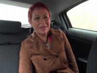 Un gang-bang pour Christine, 49ans !  (vidéo exclusive)