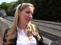 Georgie, 33ans, vendeuse de Whisky dans le Jura !  (vidéo exclusive)