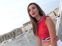 Une étudiante en journalisme à Lyon : Tracy, 20ans !  (vidéo exclusive)