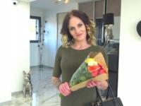 Nina, 25ans, nous dévoile ses talents !  (vidéo exclusive)