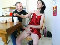 Porno-reportage matinal chez Cassandra et David, dans leur pavillon à Bétheniville (51) (vidéo exclusive)