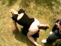 Son mari nous renvoie Laetitia pour qu'on lui éduque le cul en plein air, une bonne baise-exhib ! (vidéo exclusive)